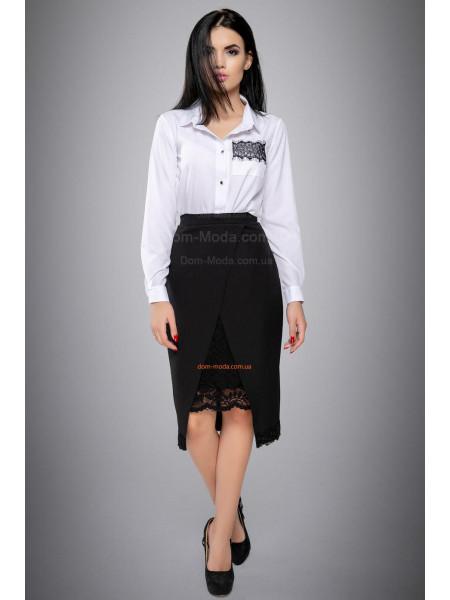 Стильная блузка с вышитым карманом