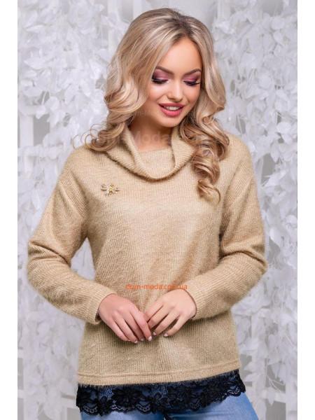 Стильний светр із брошкою і кружевом