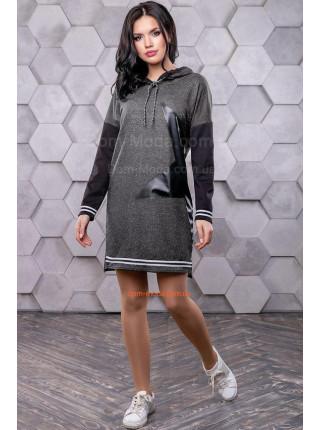 Стильное платье короткое с капюшоном в спортивном стиле