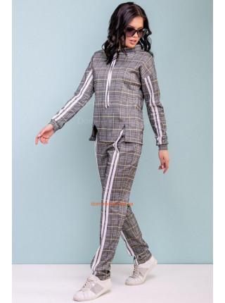 Модный костюм спортивный в клетку