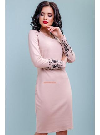 Женское стильное платье с вышивкой на рукавах