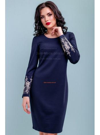 Жіноче стильне плаття із вишивкою на рукавах