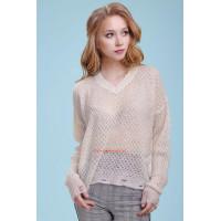 Стильный белый пуловер крупной вязки