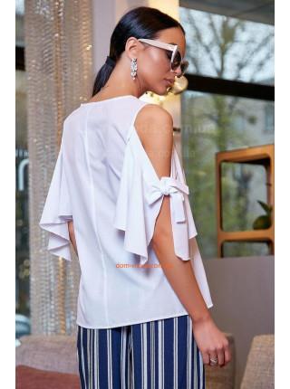 Летняя белая блузка с открытыми плечами