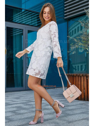 Коротке нарядне плаття із рукавом три чверті