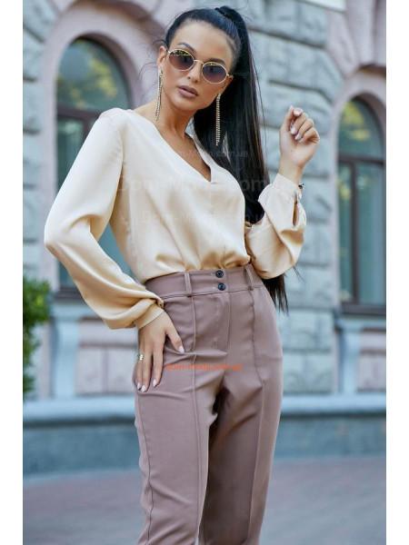 Классическая женская блузка свободного кроя