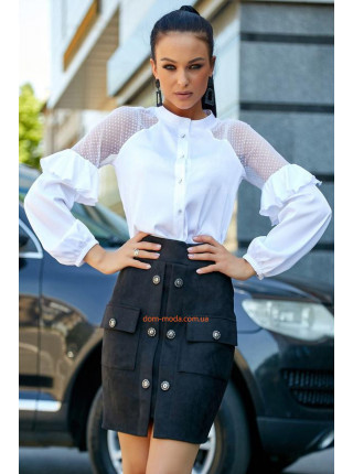 Красива жіноча блузка на ґудзиках