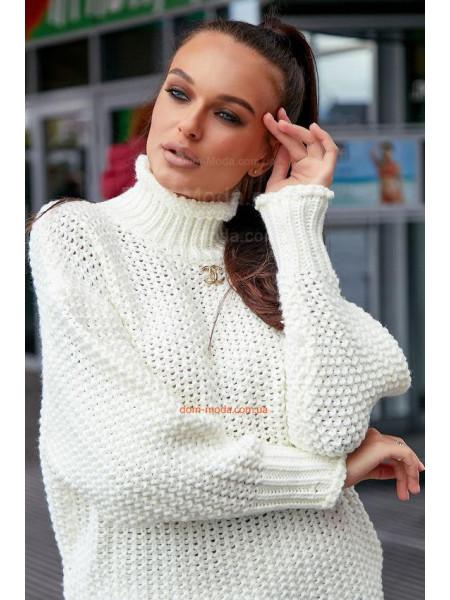 Женский теплый вязаный свитер с горлом