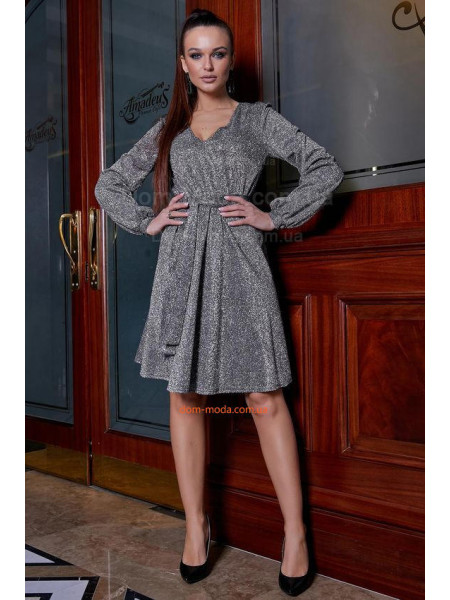 Жіноча вечірня сукня із пишною спідницею і глибоким декольте