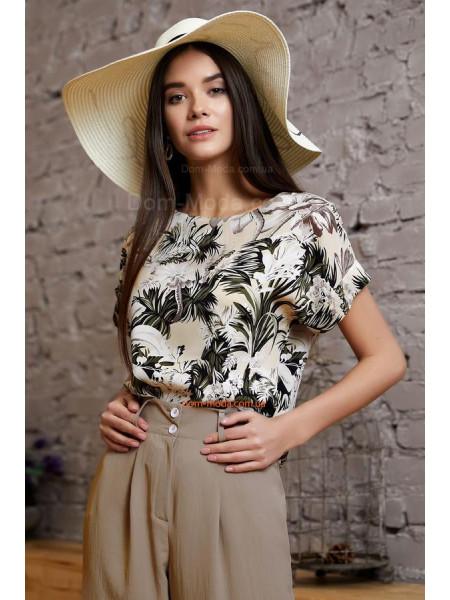 Літня жіноча блузка в принт із коротким рукавом
