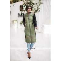Модне жіноче пальто за коліна із хутром