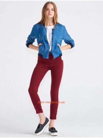 Жіночі джинси із завищеною талією