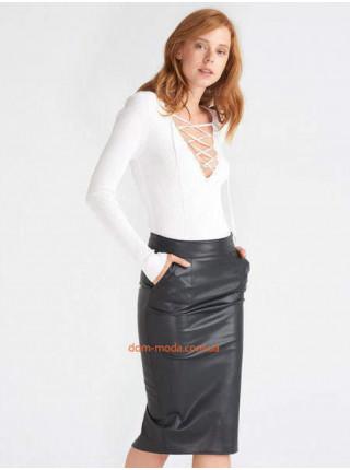 Черная кожаная юбка с высокой посадкой