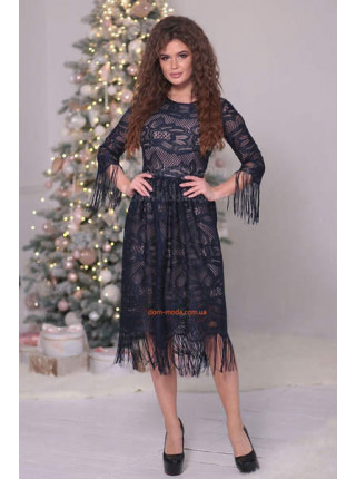 Красивое вечернее платье миди из гипюра