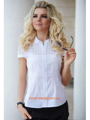 Белая блузка с коротким рукавом