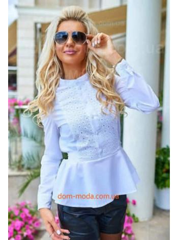 Модна біла блузка з баскою