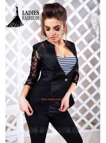 Модный женский пиджак с гипюром