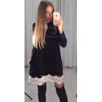 Короткое черное платье с белым кружевом
